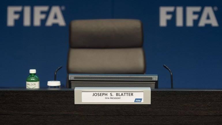 Junio, la circularidad de Blatter