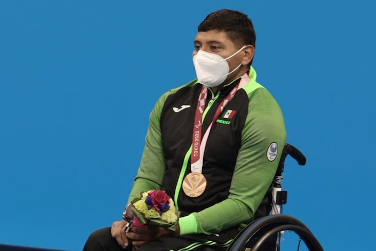 Jesús Hernández bronce
